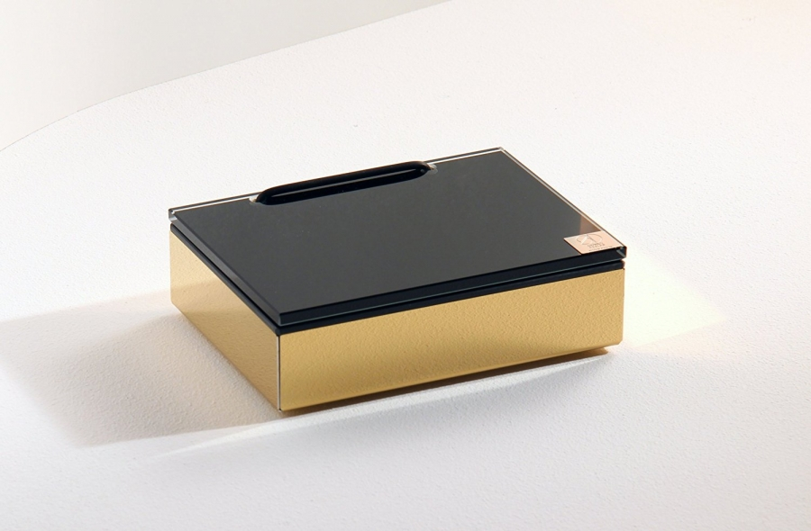 Wet wipe holder gold and black