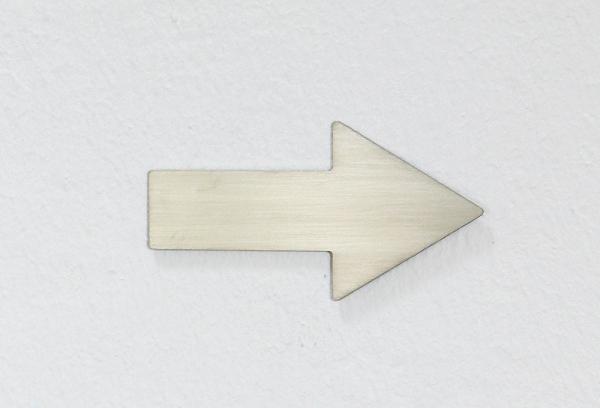 azizumm shop f r modernes design schild pfeil matt sch nbeck design. Black Bedroom Furniture Sets. Home Design Ideas